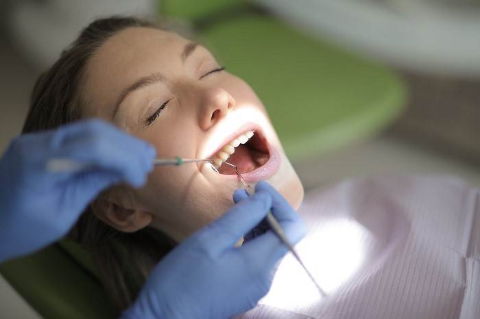 Is dental implant a painful procedure
